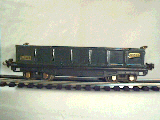 Lionel 812 gondola dark green