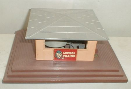 Lionel postwar newstand with horn