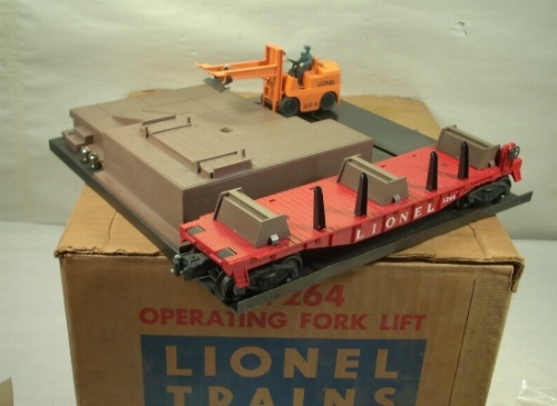 Lionel 6264 Flatcar and 264 Forklift set